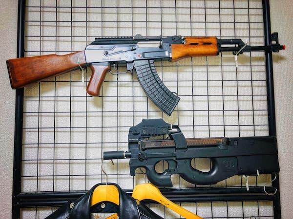 AK47とP90